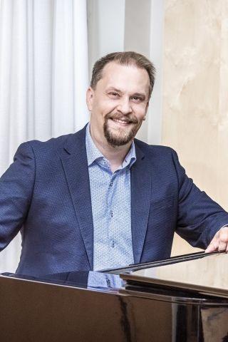 Hiippakuntasihteeri Timo Vikman