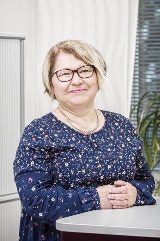 Toimistosihteeri Senja Mäkelä
