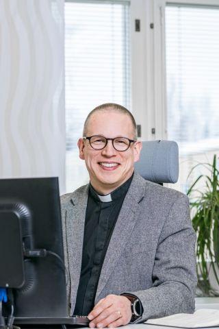 Piispan erityisavustaja Kalervo Pöykkö