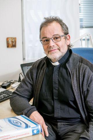 Kuurojen pappi Seppo Laukkanen